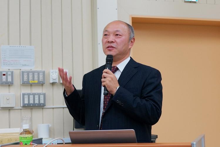 02_講演するGEヘルスケアジャパン星野本部長