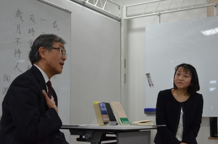「附属図書館ラウンジトーク」で佐藤学長がトーク