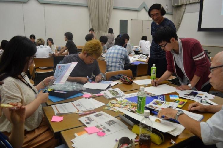 デザインを形にしていく学生達-1