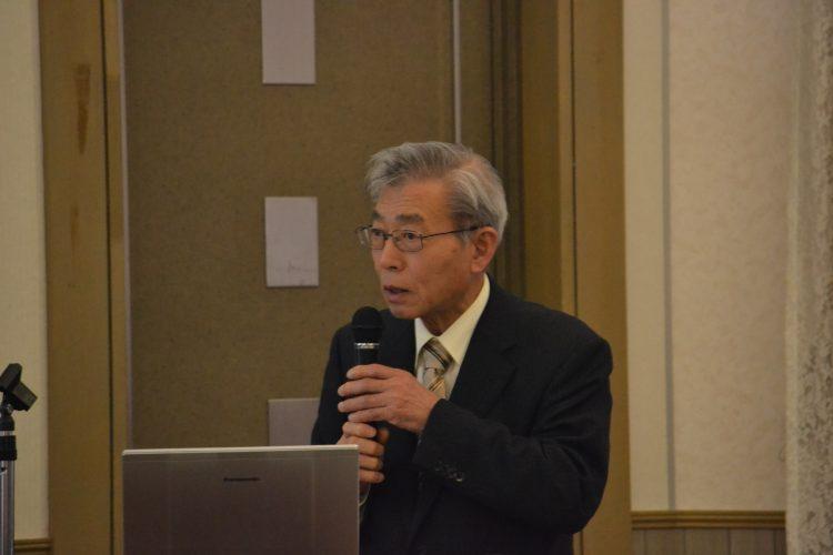 講演する加藤名誉教授