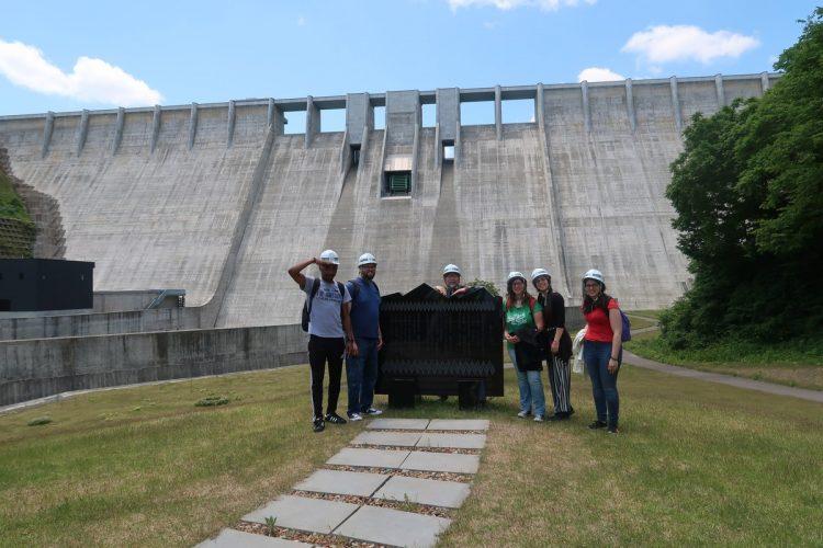 西目屋ダムにて集合写真