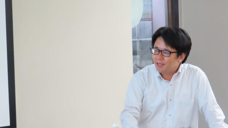 講演する髙島准教授