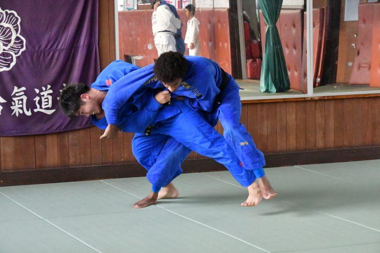弱点克服と頑張る弘大柔道部員とガビン・モゴパ選手