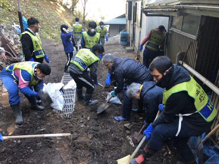野田村内民家での災害ボランティア活動