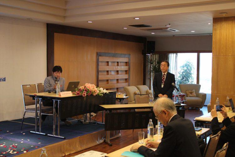 保健学研究科中村副研究科長(右)と、被ばく医療総合研究所赤田教授(左)