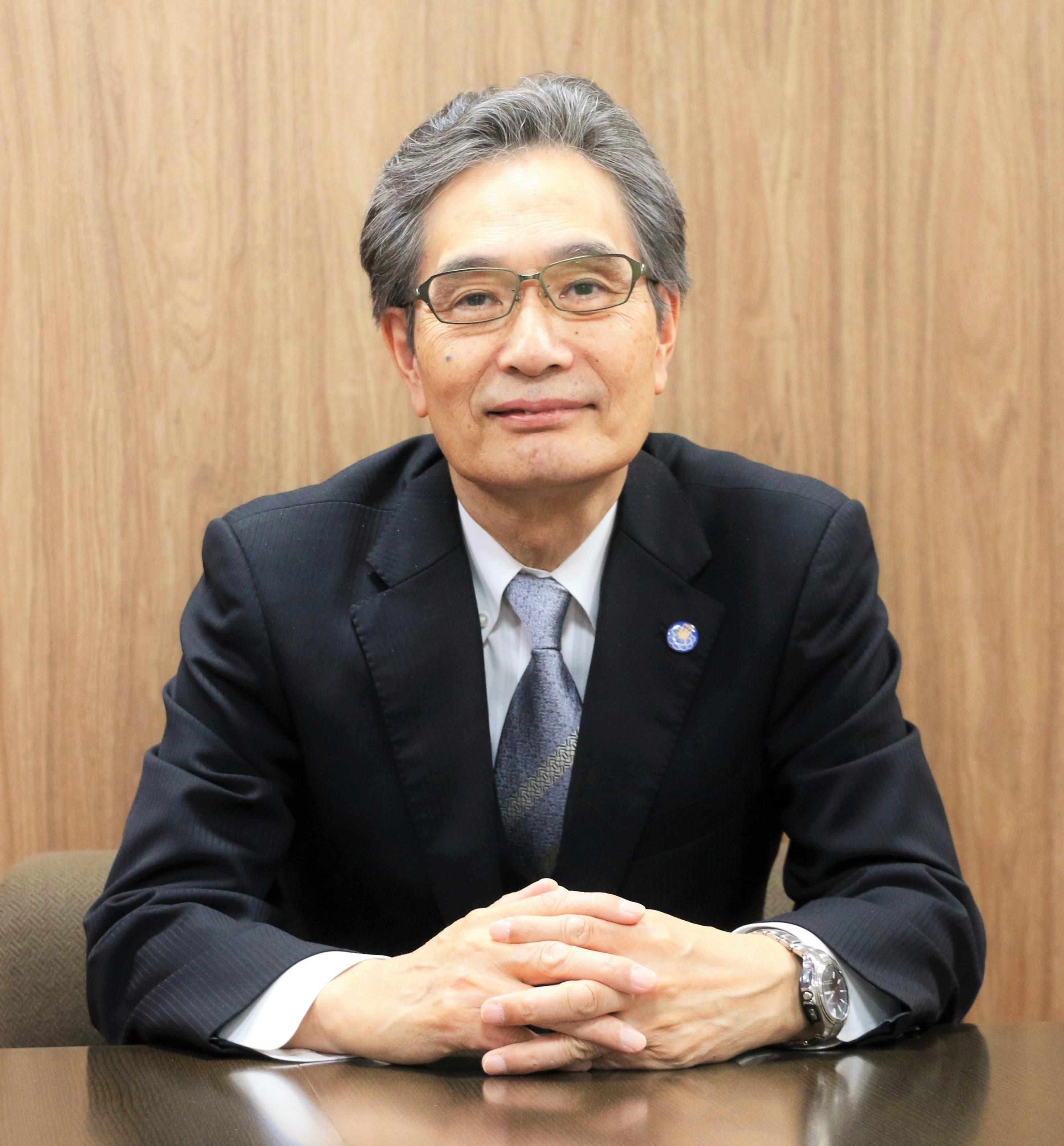 福田眞作学長